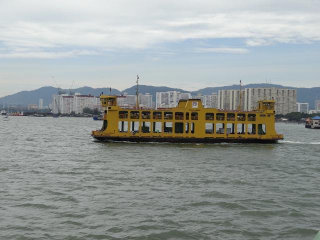 非常事態発生!バターワース駅からフェリーに乗ってペナン島に上陸したいのに大きすぎて船に乗れない?